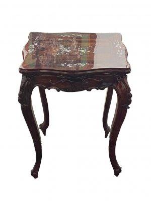 Набір меблів: Канапа, стілець, столик.